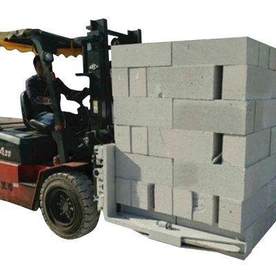 Hidravlična objemka za betonske opeke hidravličnega viličarja