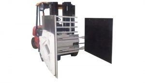Kartonska objemka za viličar, pritrditev viličarja kartonska objemka, kartonski viličar.