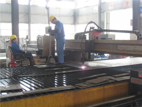 Tovarniški pogled15