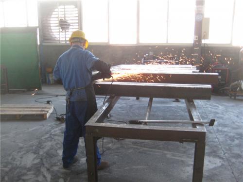 Tovarniški pogled3